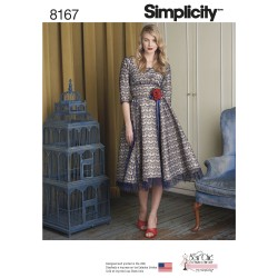 Blonde kjole Simplicity snitmønster 8167