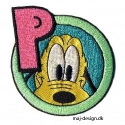 Broderet strygemærke Pluto m/bogstav Ø 8 cm