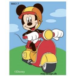Mickey på Scooter printet strygemærke 7,5x6 cm