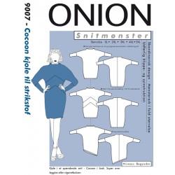 Cocoon kjole til strikstof onion snitmønster 9007