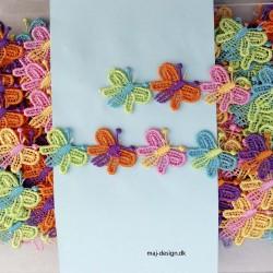 Multifarvet bånd med sommerfugl 25 mm bred