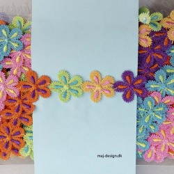 Multifarvet bånd med blomst 25 mm bred