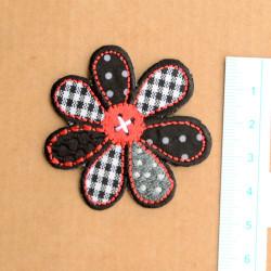 Blomst Ø 5 cm broderet strygemærke
