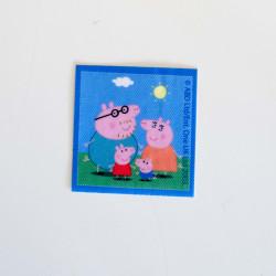 Familien Gris printet strygemærke 6,5x6,5 cm