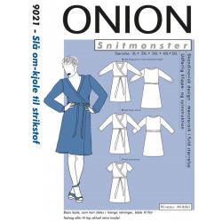 Slå om-kjole plusmode Onion snitmønster 9021