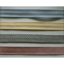 Skråbånd, stribet 20mm, er i 4 farver