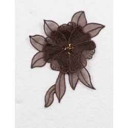 Mørkebrun blomst m/perle og pallietter, 13x10cm