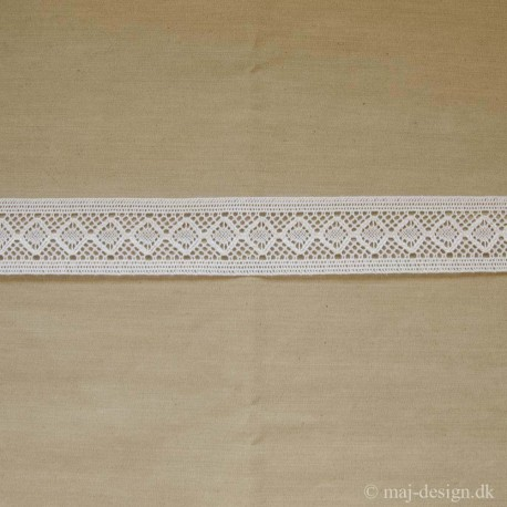 Mellemværk, hvid finthæklet, 45mm bred