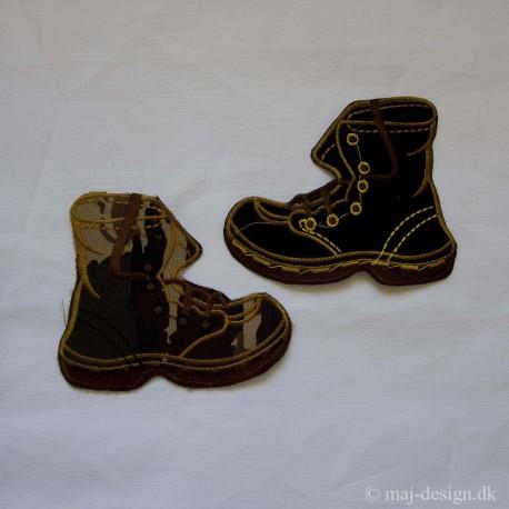 Støvle 11x10cm i sort eller army strygemærke