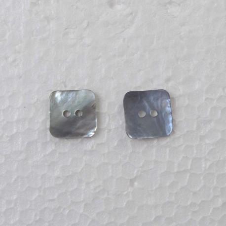 Firkantet Perlemorsknap 2-hul 20mm