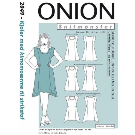 Kjole med kimonoærmer til strikstof Onion snitmønster 2049