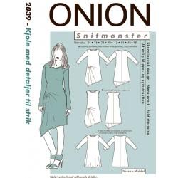 Kjole med detalje onion snitmønster 2039