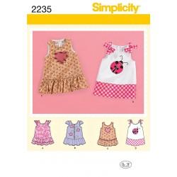 Baby kjole Simplicity snitmønster 2235