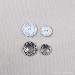 Knap 2-hul 18 og 23 mm Mat sølv og Gl.sølv Metalknap