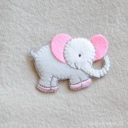 Elefant m/lyserøde Øre strygemærke