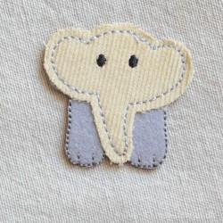 Grå Elefant strygemærke 4,5x4 cm