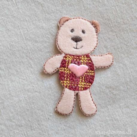Hund med lyserødt Hjerte strygemærke 6x4 cm