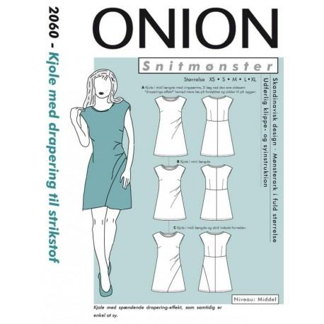 242767231 Kjole m/drapering til strikstof Onion snitmønster