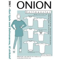 Kort Kjole m/dolmanærmer til strikstof Onion snitmønster