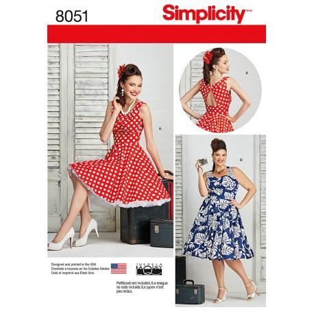 Sommerkjole med åben ryg også plusmode Simplicity snitmønster 8051